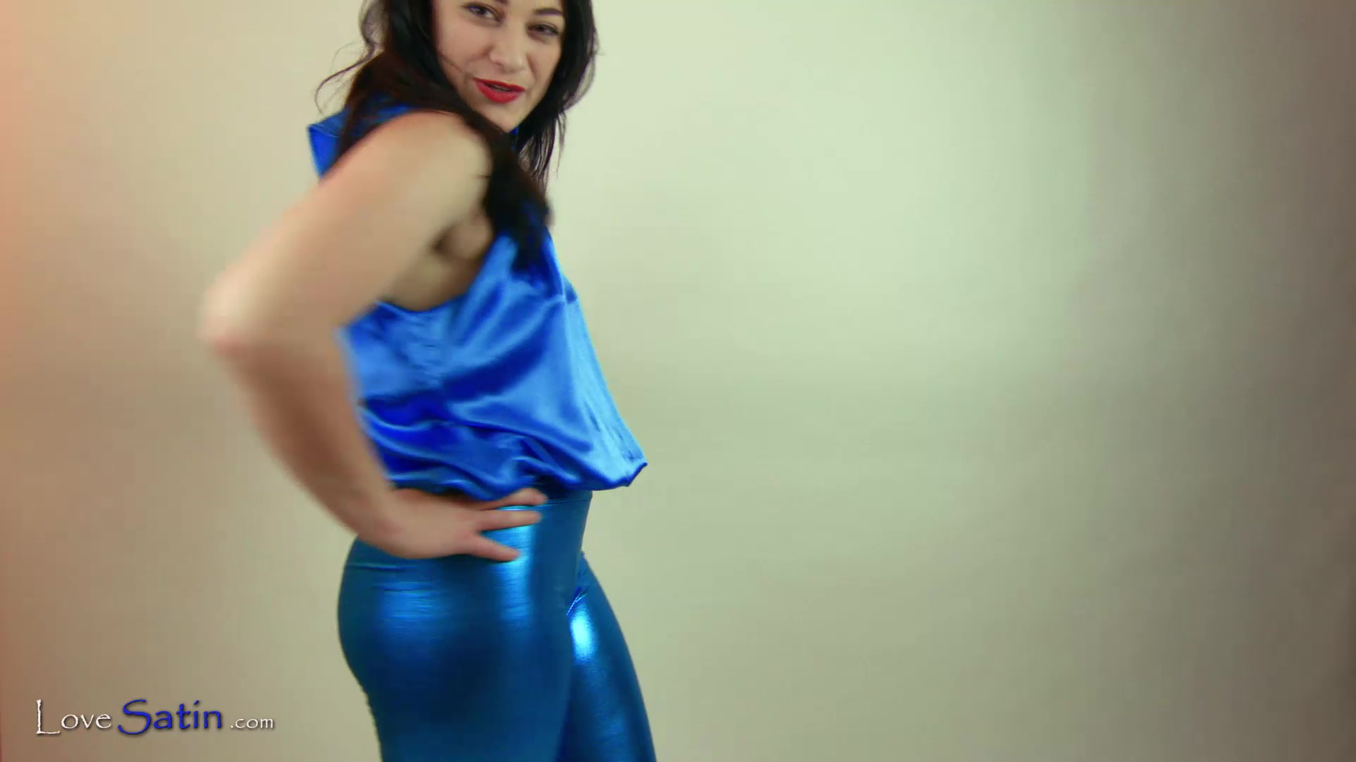 content/Amber/AMBER-BLUE-TOP-VIDEO/0.jpg