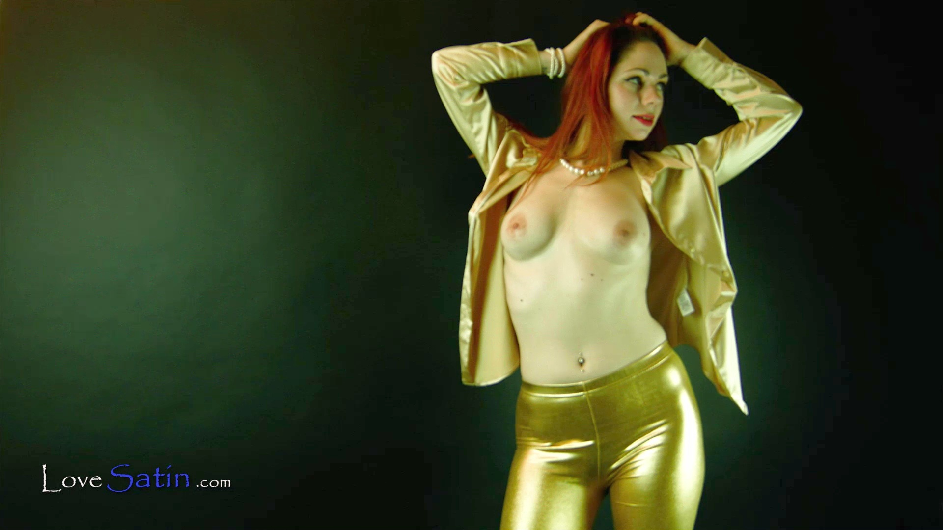 content/Hayley/Hayley-Gold-Satin-Video/1.jpg