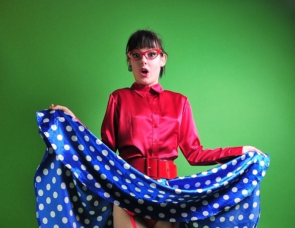 content/Katie/Katie-Red-Blue-Retro-Satin/2.jpg