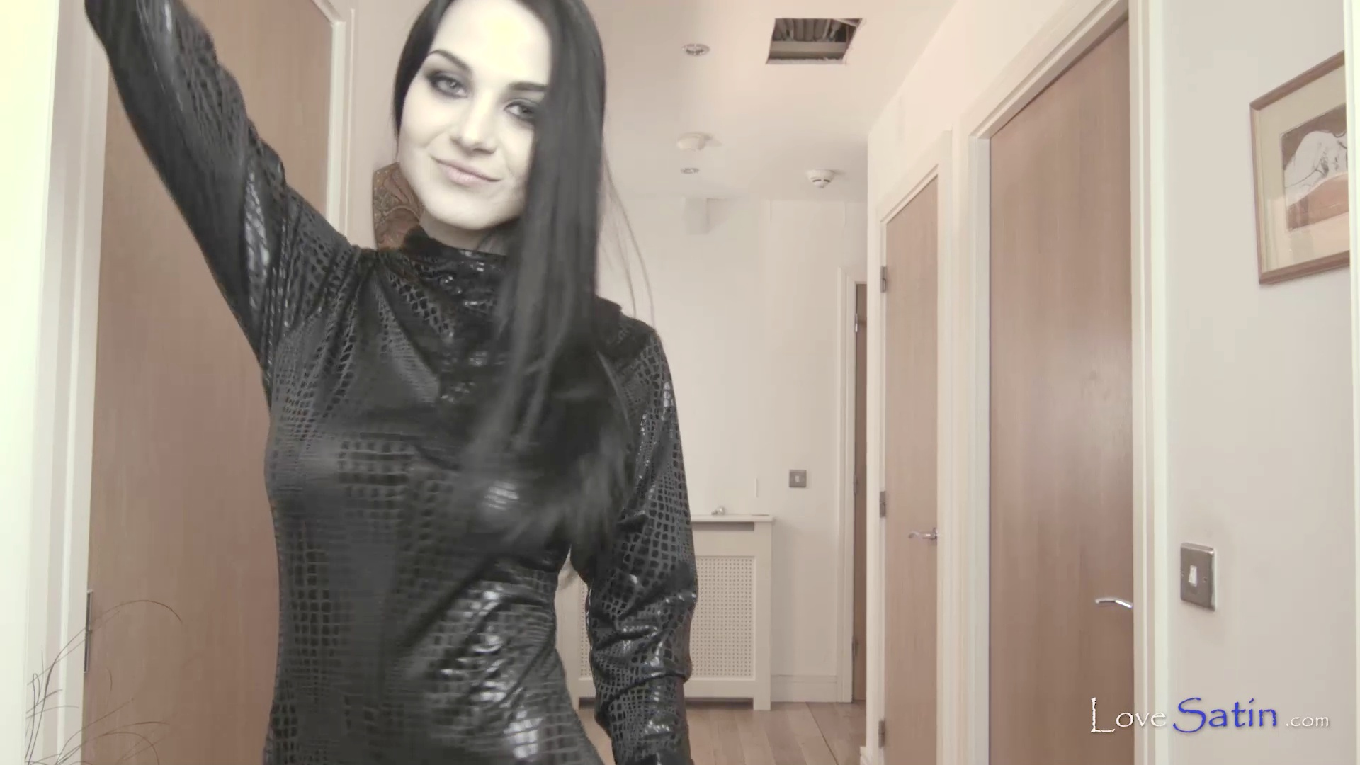 content/Lorelei/LORELEI-BLACK-CATSUIT-VIDEO/2.jpg