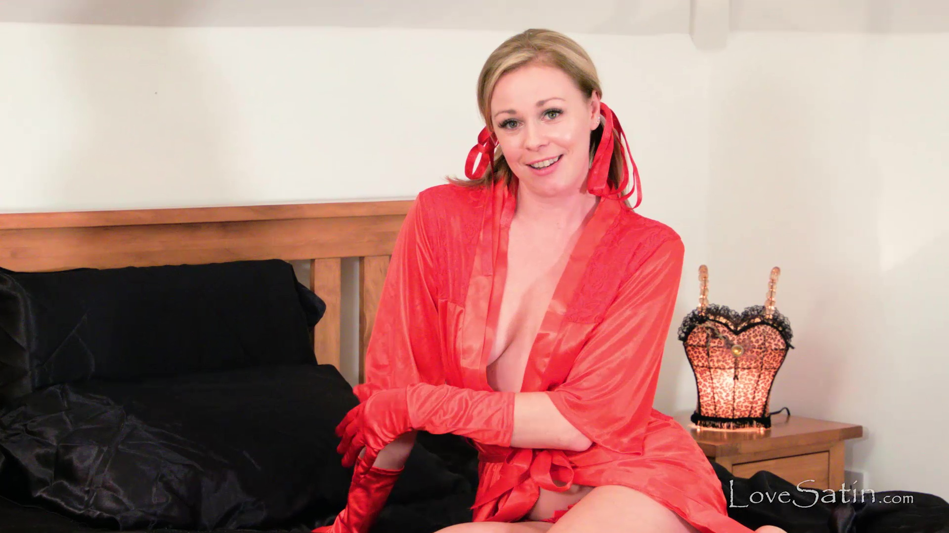 content/Lucy/Red Satin Lingerie JOI - Lucy/1.jpg