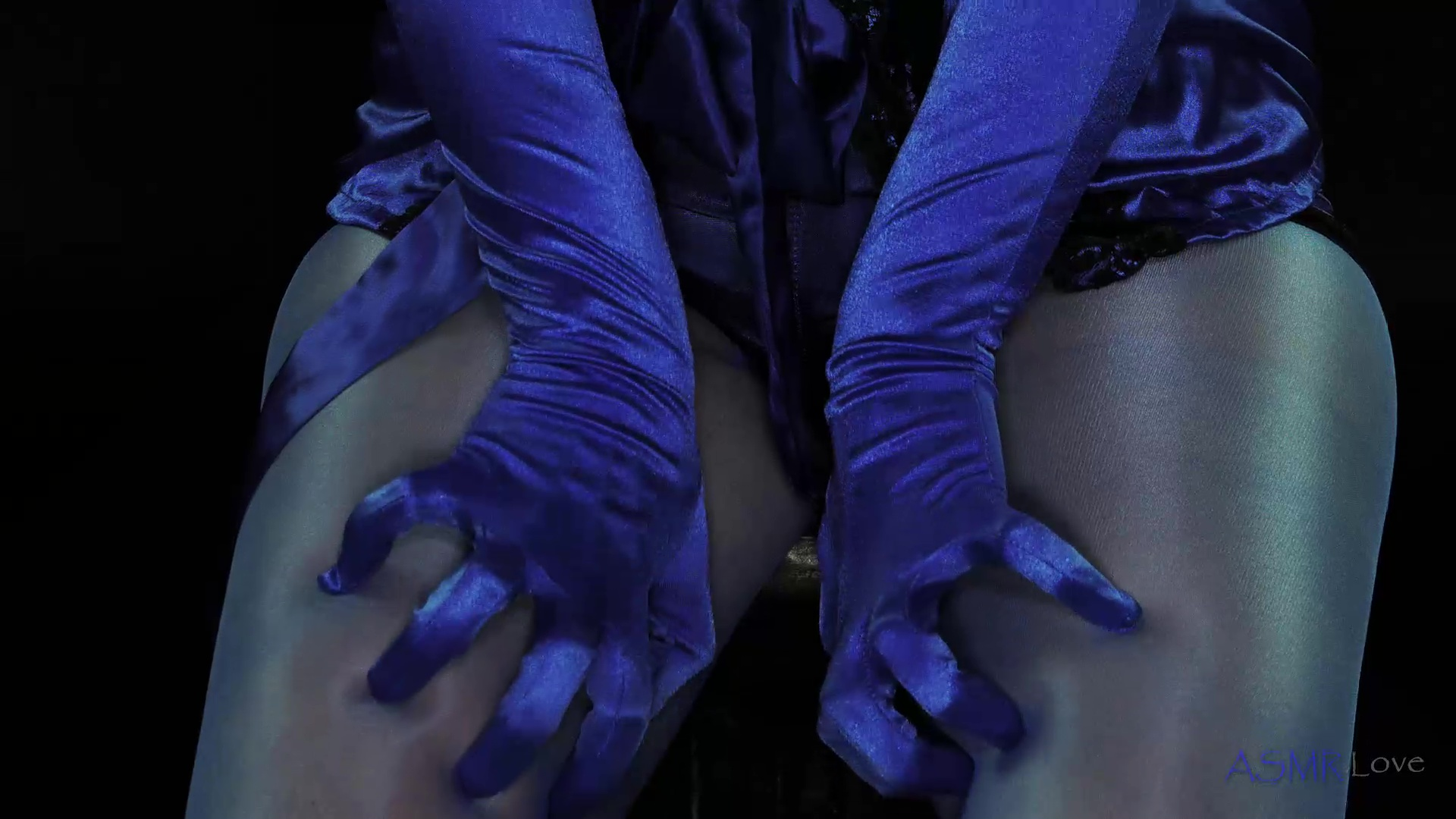 content/Lucy/Wanking in Blue Satin Panties ASMR - Lucy/3.jpg