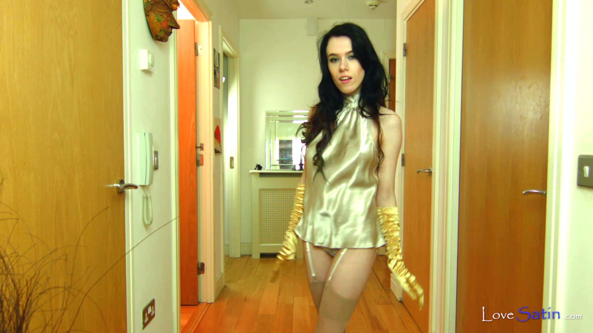 content/Nikita/NIKITA-GOLD-SECRETARY-VIDEO/0.jpg
