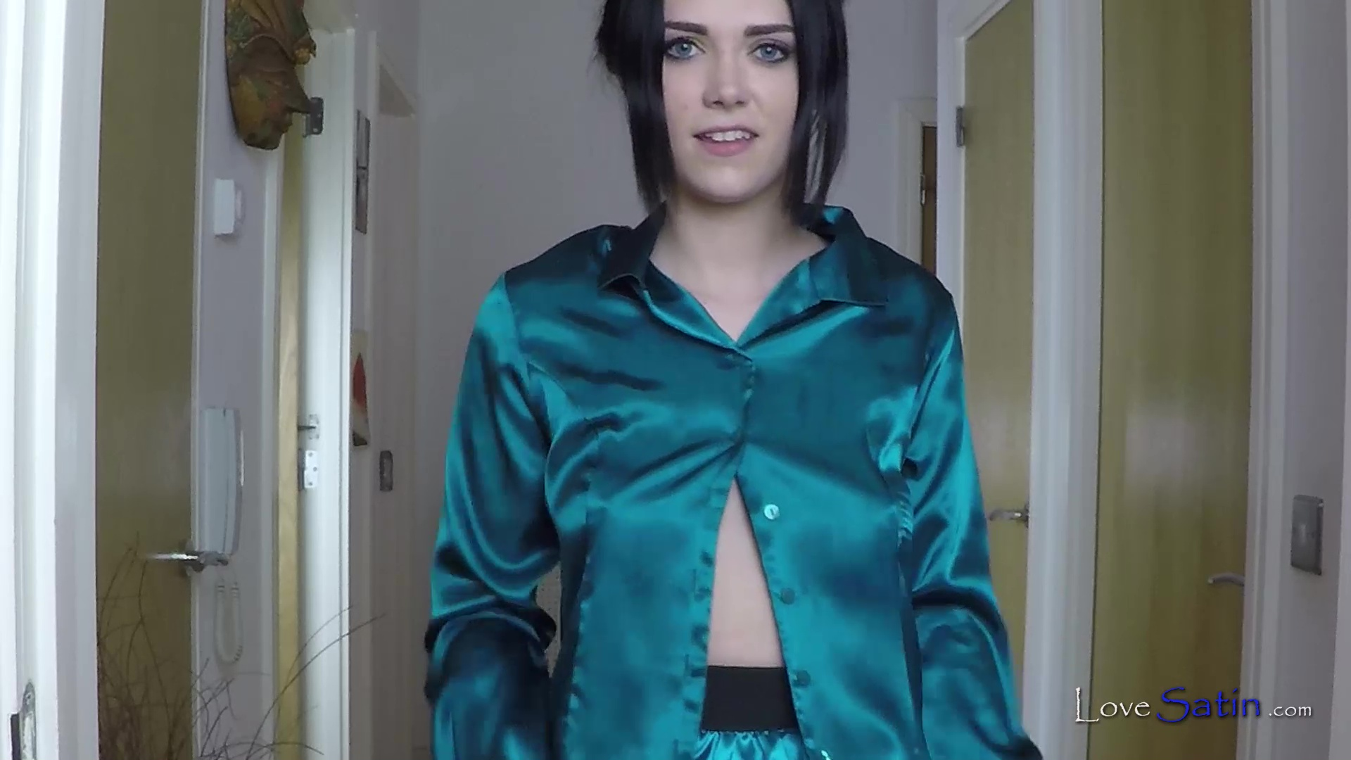 content/Summer/Summer-Teal-Tease-Video/1.jpg